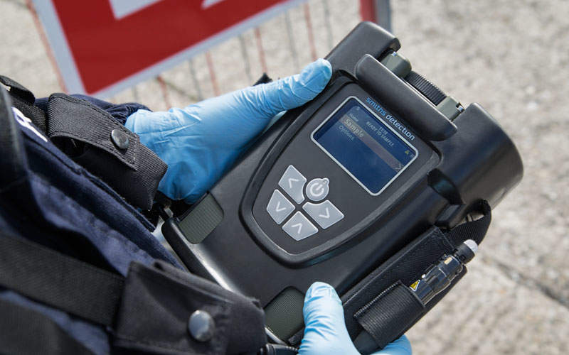 TRACE-PRO hand-held explosives trace detector is developed by Smiths Detection.