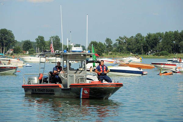The shallow water patrol craft has an overall length of 27ft. Image courtesy of pverdonk.