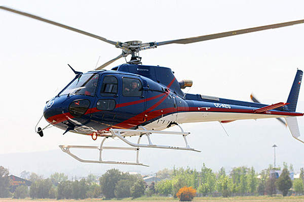 The AS350 B3e helicopter can fly at a maximum speed of 287km/h. Image courtesy of Sandra Soto.