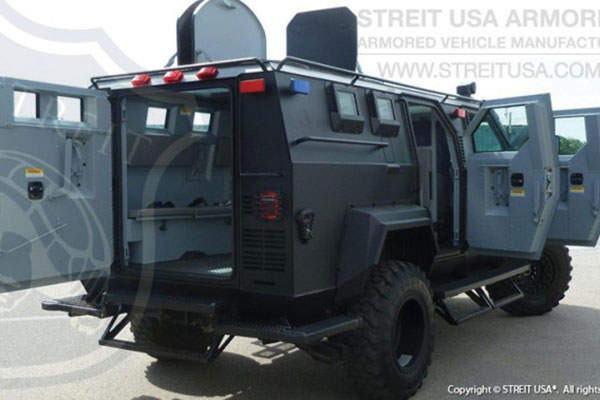 The four-door Cyclone APC is fitted with a 360° turret. Image courtesy of STREIT Group.